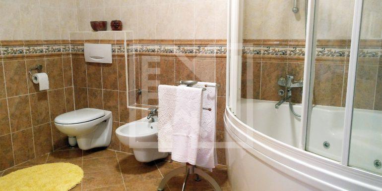 Kuća u Blatnici glavna kupaonica
