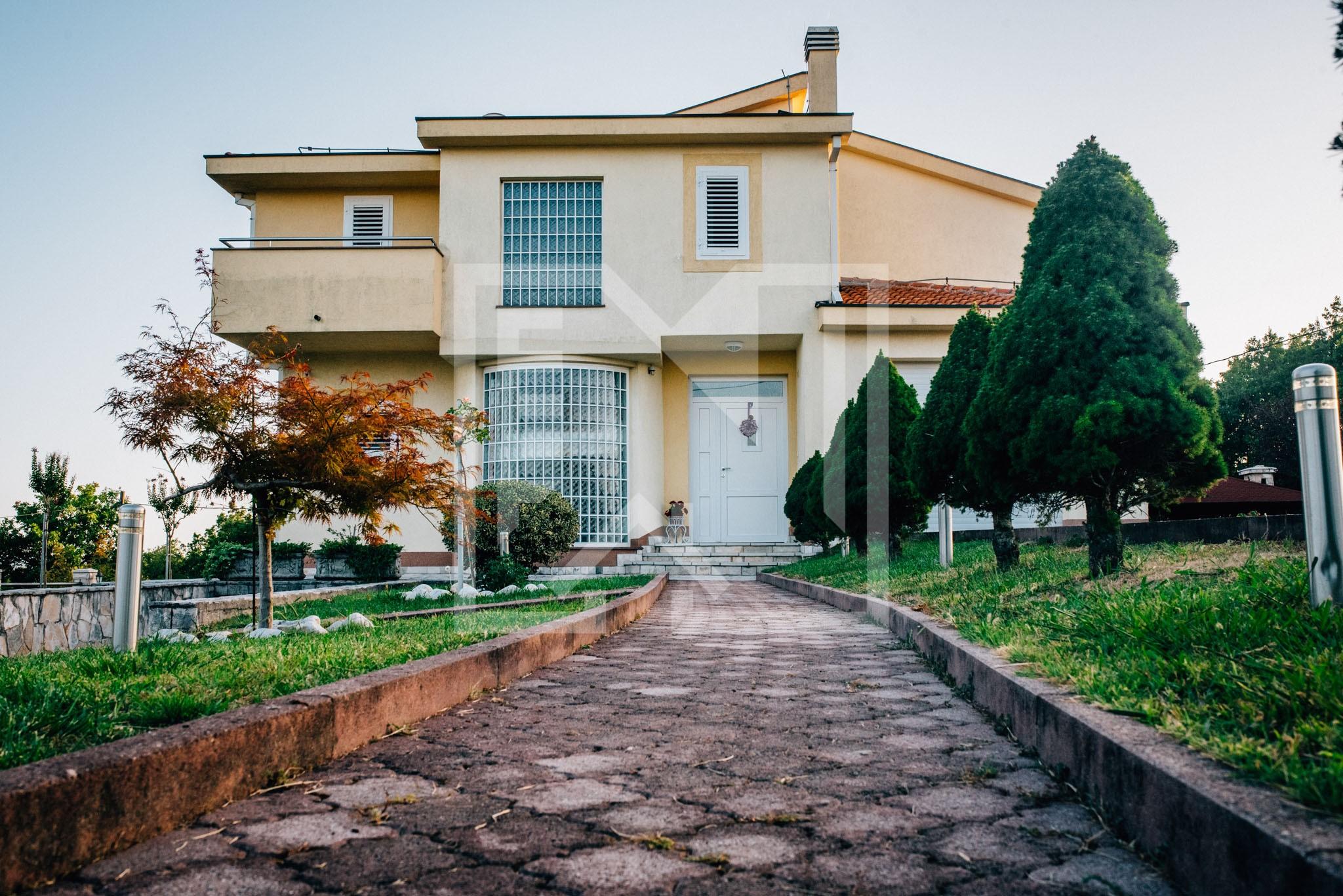 Luksuzna kuća u Blatnici