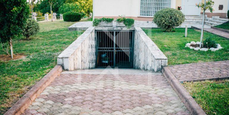 Kuća u Blatnici rampa za podrum