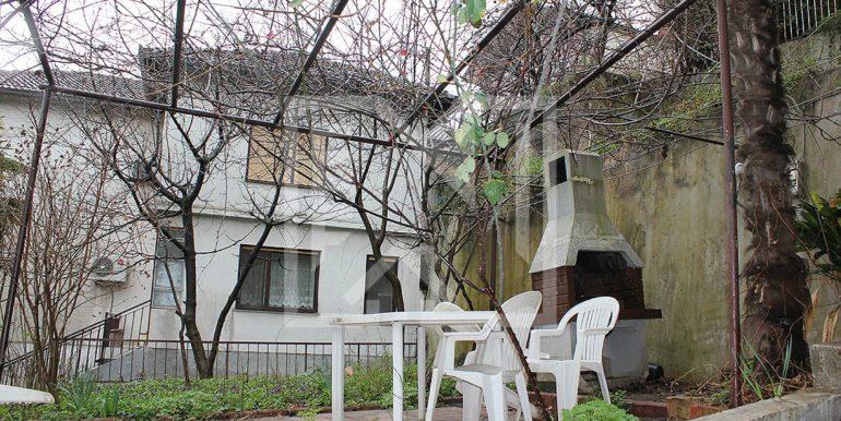 Kuća u Ilićima dvorište