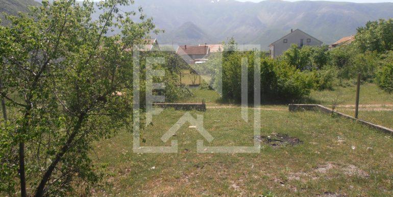 Zemljište sa ruševnom kućom Kutilivač (10)