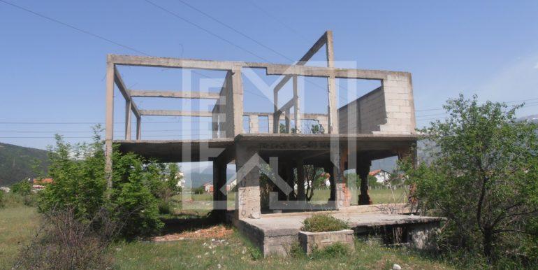 Zemljište sa ruševnom kućom Kutilivač (3)