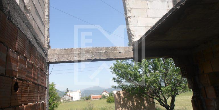 Zemljište sa ruševnom kućom Kutilivač (7)
