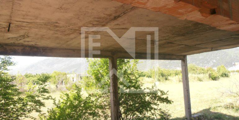 Zemljište sa ruševnom kućom Kutilivač (8)