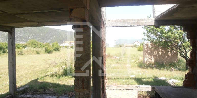 Zemljište sa ruševnom kućom Kutilivač (9)