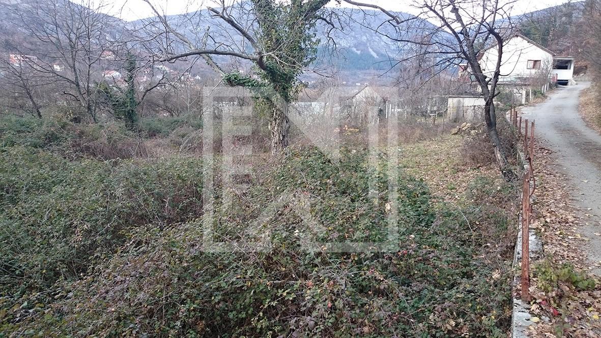 Zemljište u Illićima površine 1170 kvadrata