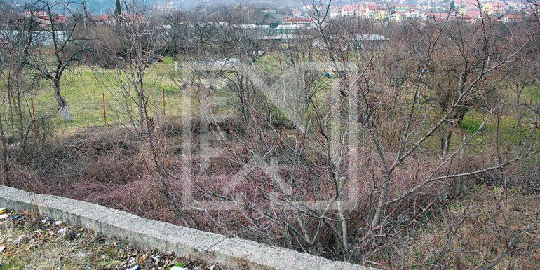 Zemljište u Ilićima 580m2 pogled sa prilaza