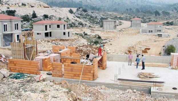 Zemljište na Ivanici izgradnja vila u blizini placa