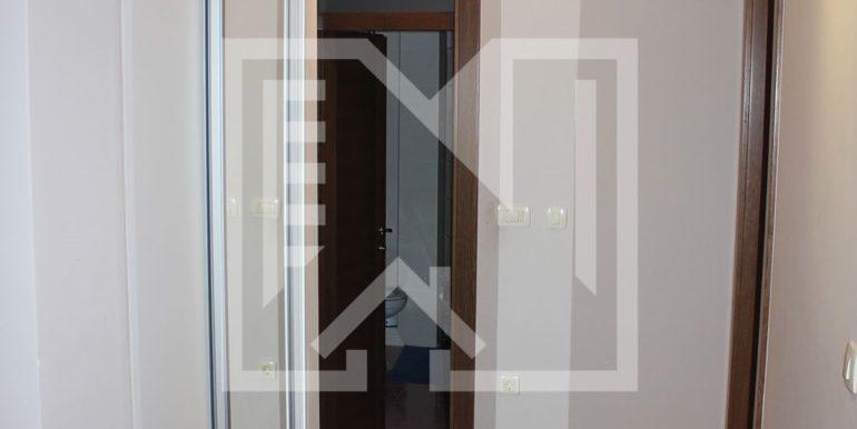 Dvosoban stan i centru (13)