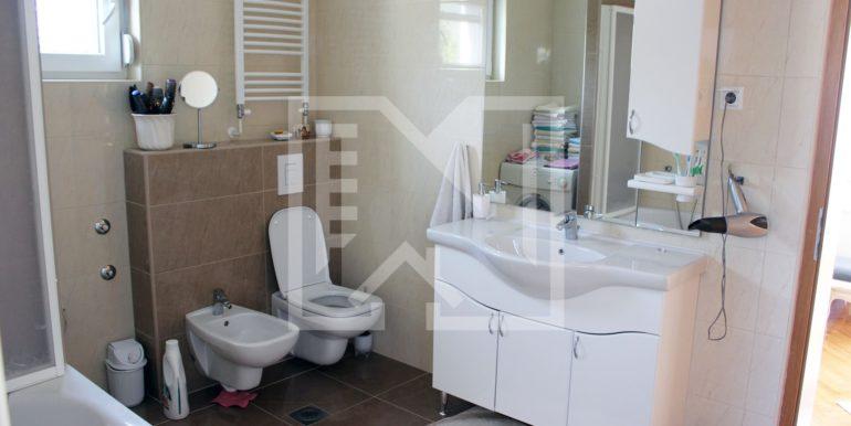 Kuća na Bijelom Brijegu kupaonica
