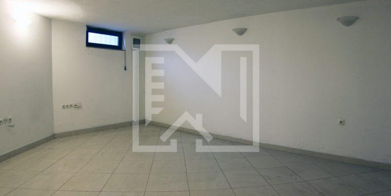 Poslovni prostor na Balinovcu 135 kvadrata (8)