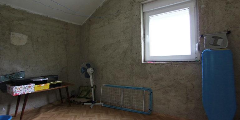 Kuća Vojno neuzrađeno kupatilo