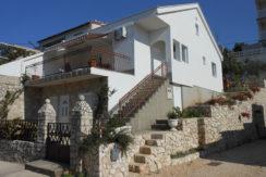 Kuća Komarna za prodaju