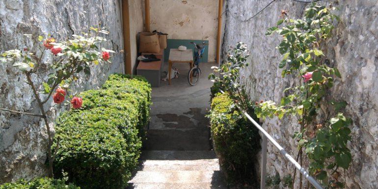 Kuća na prodaju Ulica Marsala Tita, naselje Luka, Mostar)_002