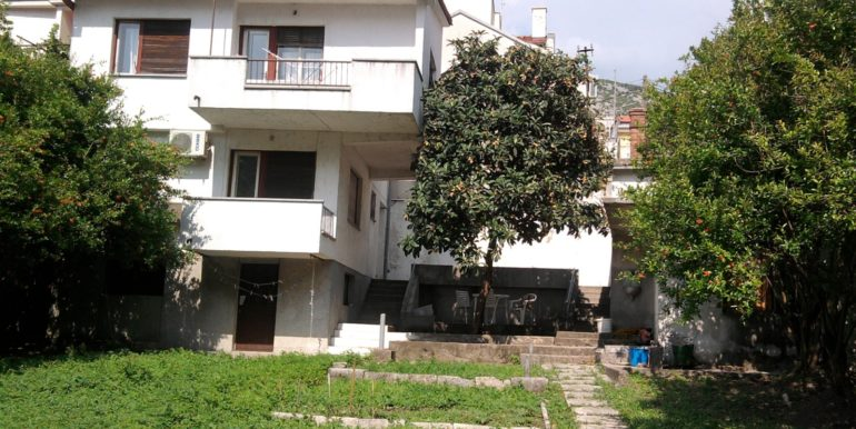 Kuća na prodaju Ulica Marsala Tita, naselje Luka, Mostar)__003