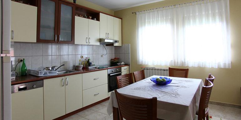 kuća u Cimu kuhinja