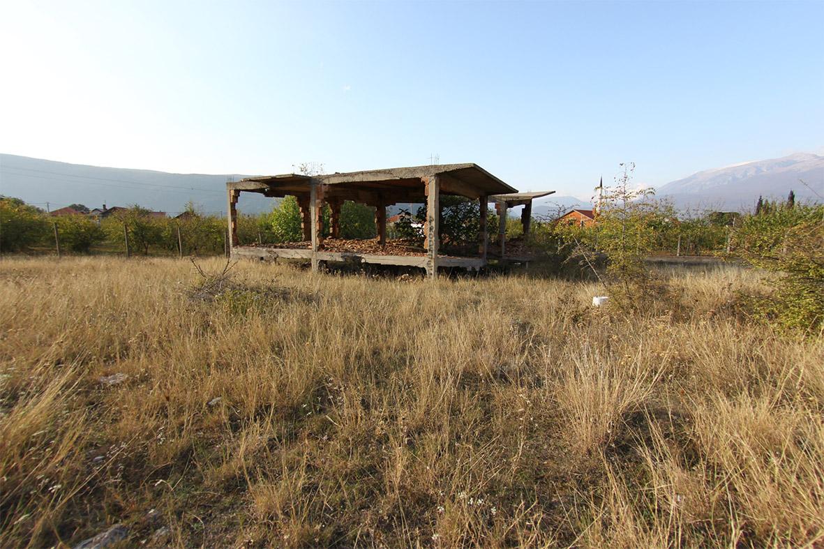 Zemljište sa ruševnom kućom u Kutilivču kod Mostara