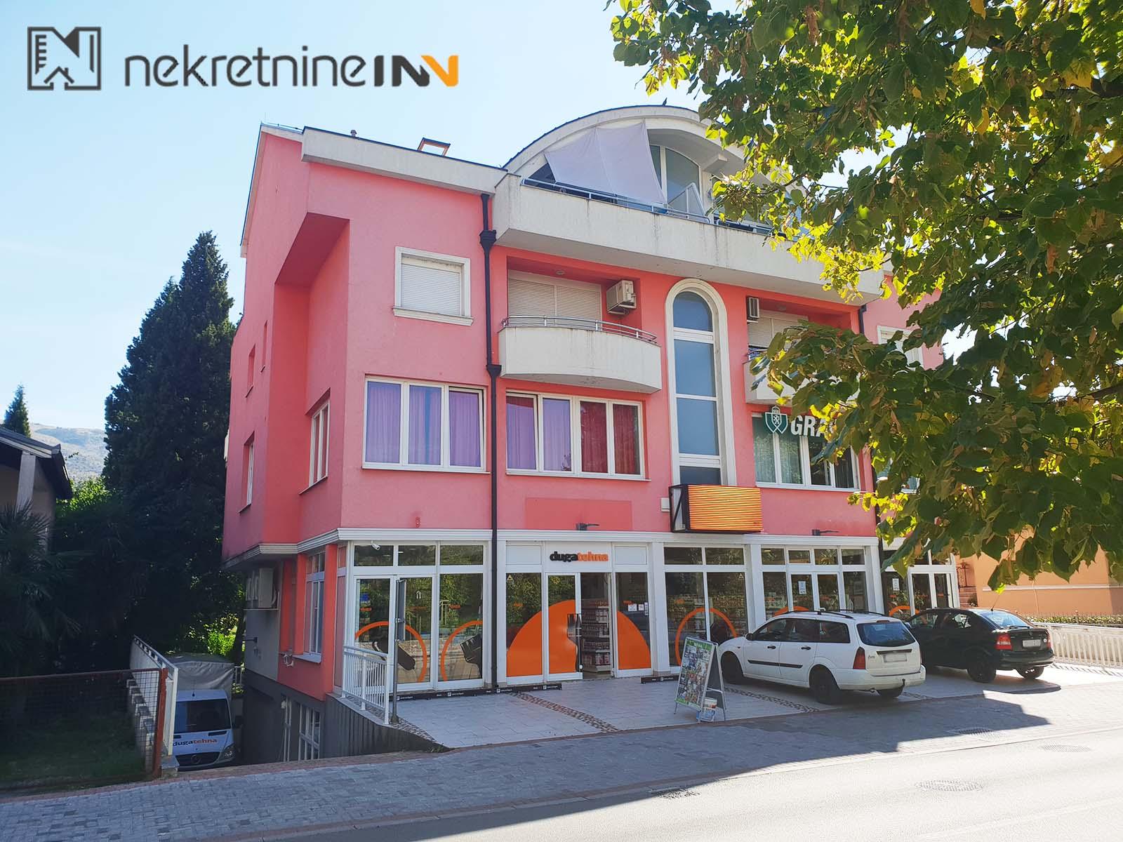 Iznajmljuje se poslovno stambeni prostor od 90m2