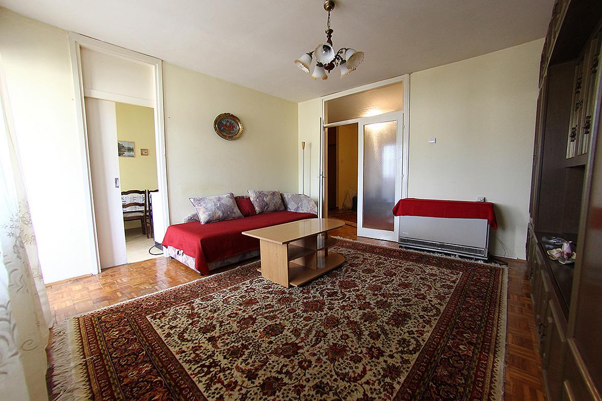 Dvosoban komforan stan u Mostarci