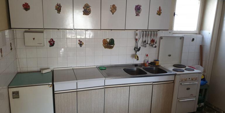 Slika 2 kuhinja trosoban stan Mostar