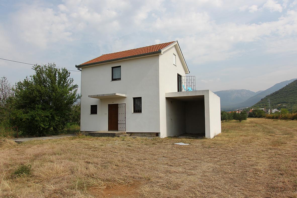 Prodaje se kuća sa zemljištem u Potocima
