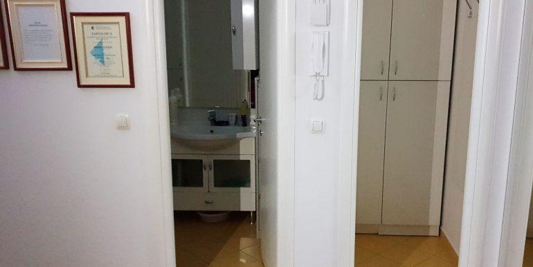 Poslovni Prostor 50m2 Novi Trzni Centar Rondo Nekretnineinn slika35