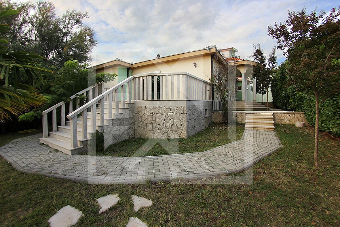 Izvrsna, potpuno opremljena kuća na Vionici kraj Međugorja
