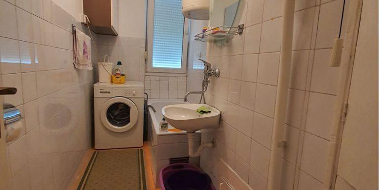 Jednosoban 41m Splitska 71 kupatilo slika 1 (copyright: NekretnineINN)