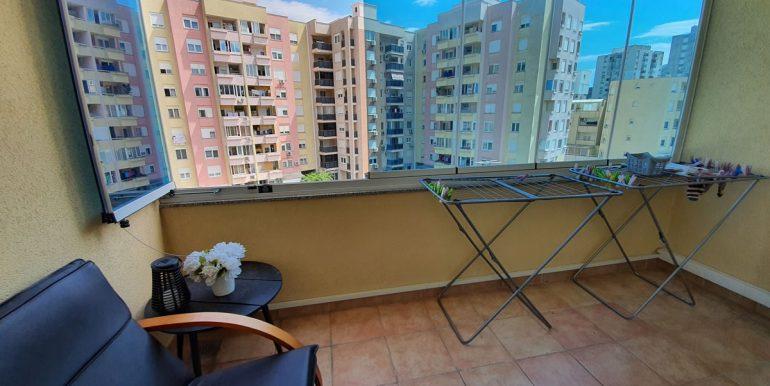Stan_dvosoban_77m2_balkon_slika 1