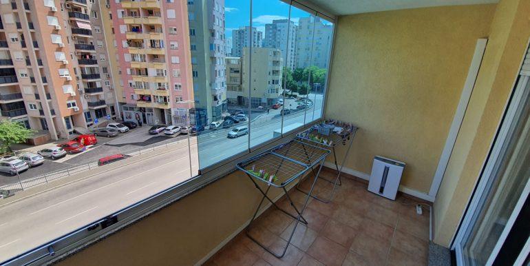 Stan_dvosoban_77m2_balkon_slika 2