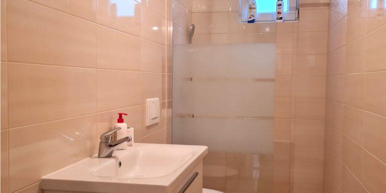 Vukovarska 10 dvosoban I. kat najam_kupatilo_slika 2