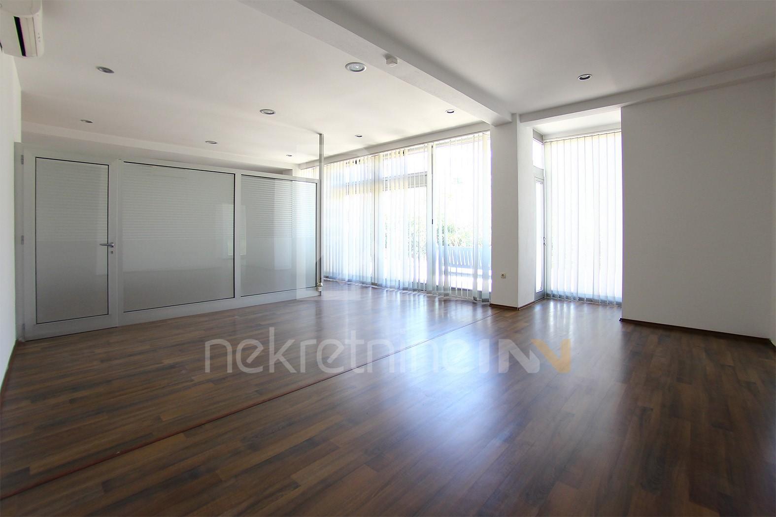 Uredski poslovni prostor površine 95 kvadrata